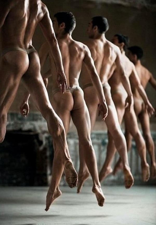 Голые Мужчины Танцуют