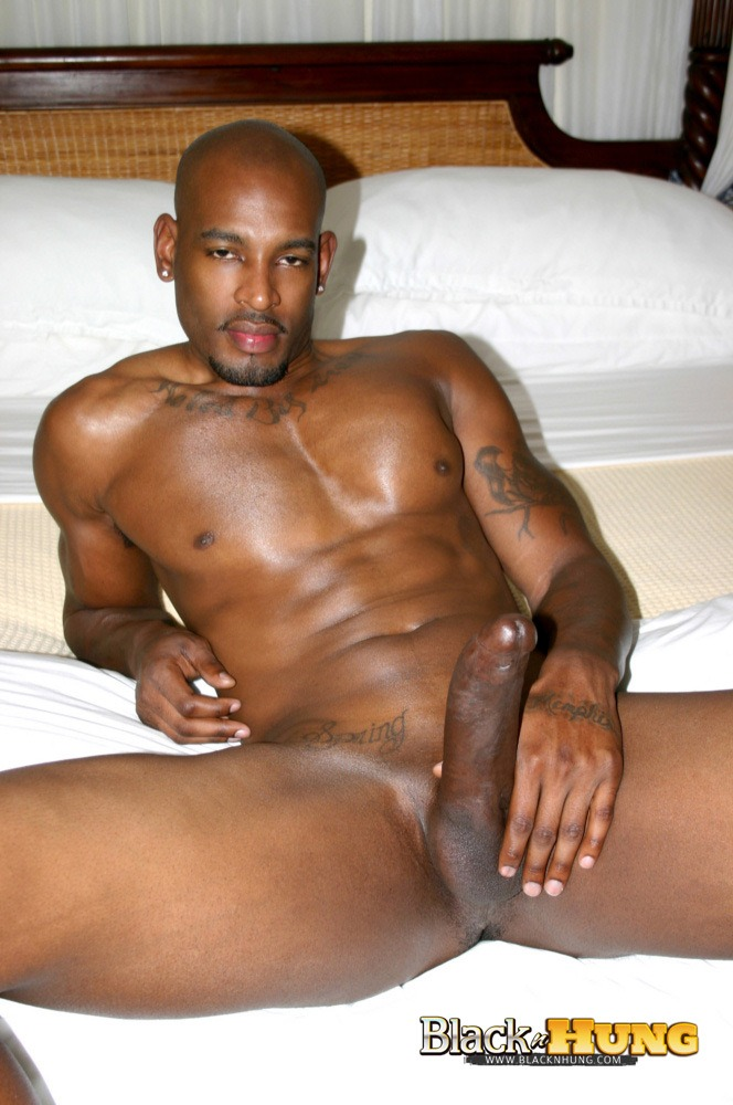 Huge black man sucking his own dick