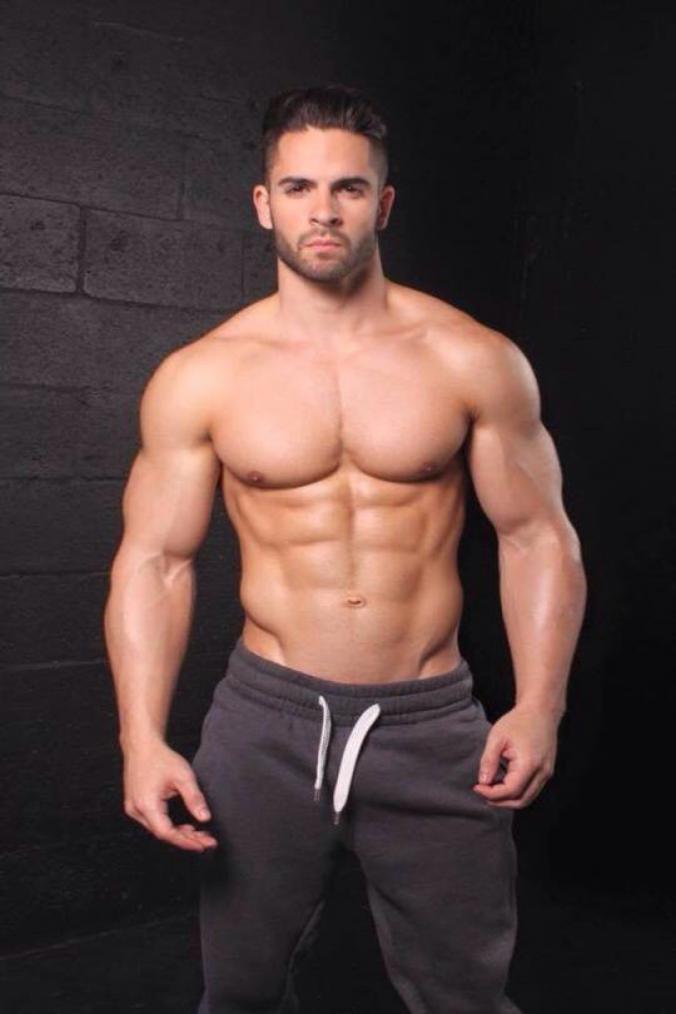 Gay muscled men